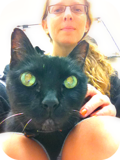 Samantha purred every time she was at the vet. I knew she was not