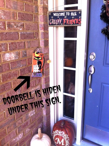 Cover your doorbell to reduce your pet's stress!